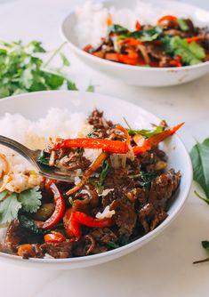 Thai Basil Beef (Pad Gra Prow), by thewoksoflife.com @thewoksoflife1