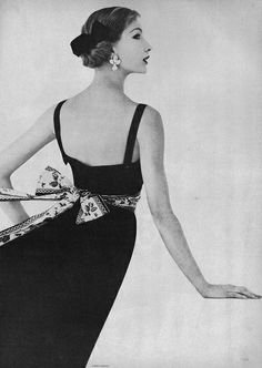 May Vogue 1957  photo Karen Radkai