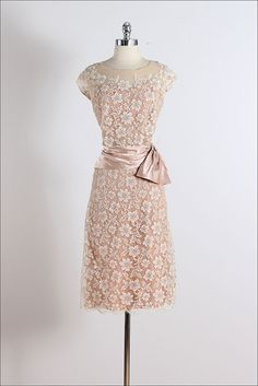 Peggy Hunt . vintage 1950s dress . vintage by millstreetvintage