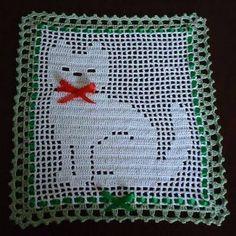 Resultado de imagem para graficos de passadeira em l com vanda cardoso Filet Crochet, Chat Crochet, Crochet Frog, Crochet Cat Pattern, Crochet Motifs, Crochet Blocks, Crochet Squares, Crochet Doilies, Crochet Patterns