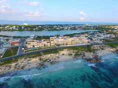 Completed! Isla 33 Resort & Villas - Luxury Living on Isla Mujeres  #CaribeMexicano #LuxuryCondos #RealEstateInvestment, Caribbean, #IslaMujeres, #Oceanfront #QuintanaRoo, #RivieraMaya, #Isla33 #PearlRealty