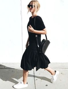 Oui à la robe taille basse longueur midi ! (robe YMC London - photo Mija Flatau)