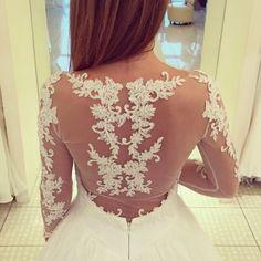 #super #couture!www.sposestile.it #bridalgown #weddingdress #dreamdress #love #wedding #instabride #robedemariee #mariée #mariage #paris #haute couture #altacostura #moda #fashion #abitidasposa #spose #instacool #blogger #trend