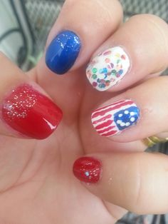 Day 4 in 31 Days of Summer Nail Art