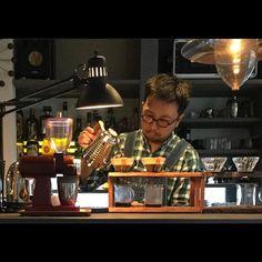 2016年5月25日 水曜日 深夜に失礼します加工用に確認の投稿です以前に行った宇都宮のタカネマンコーヒーのマスターの写真です無視してもかまいませんではまた  #コーヒー#コーヒースタンド#カフェ#カフェ巡り#おしゃれカフェ#オシャレカフェ#宇都宮カフェ#宇都宮#coffee#coffeeculture#coffeetime#coffeelover#lefthanddrip#handdrip#pourover#kalita#hario#specialtycoffee#thirdwavecoffee#baristadaily#alternativebrewing#manmakecoffee#manualbrew#cafe#coffeestand#cafelife#hariov60#kalitawave#栃木#커피 http://ift.tt/20b7VYo