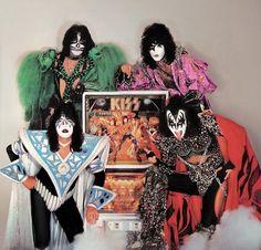 Kiss+Pinball+Machine+1979.jpg 1142×1094 pixels