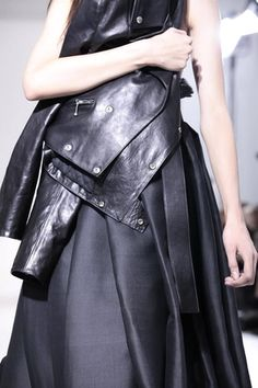 Yang Li Ready To Wear Spring Summer 2014 Paris - NOWFASHION