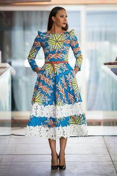 African Traditional Wedding Dress Robe Wax et dentelle ~African fashion, Ankara, kitenge, African women dresses, A… African Maxi Dresses, Ankara Dress, African Dresses For Women, African Attire, African Wear, African Women, Ankara Fabric, African Style, 50s Dresses