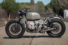 A rusty old BMW R This custom from Spain& Cafe Racer Dreams workshop is not quite what it seems. Bmw Scrambler, Bobber Bmw, Motos Bmw, Bike Bmw, Bobber Bikes, Cool Motorcycles, Motorcycle Bike, Vintage Motorcycles, Bmw Cafe Racer