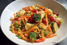Jacque Pepin, Legumes Recipe, Romanian Food, Food Art, Pasta Salad, Food Inspiration, Wok, Side Dishes, Curry