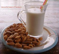 Il latte di mandorla o minnulata siciliana è il tipico latte che si crea dalla spremitura delle mandorle, perfetto per gli intolleranti al lattosio e per chi segue un'alimentazione vegana. La ricetta che vi propongo oggi è l'antica ricetta di nonna e con lei tanti ricordi..legati appunto alla merend
