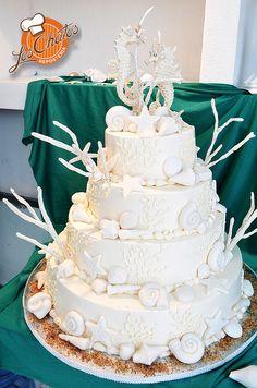 Pastel boda playa/Beach Wedding cake  #loschatos #pastelería #pasteles #vallarta loschatos.com