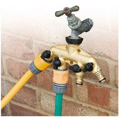 It's pretty clear that architects have no understanding of gardeners … and especially, of their need for multiple water outlets. A typical house has only one outdoor tap whereas it would obvi…