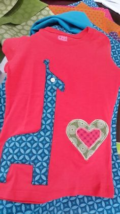 Shwe shwe tshirts Baby Sewing, Projects For Kids, Kids Clothing, Dress Ideas, Diy Clothes, Blankets, Kids Outfits, Applique, African