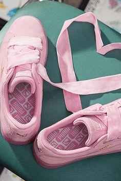 c2c547d8640949 59 meilleures images du tableau On my feet