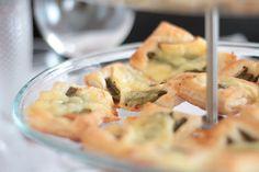 Folhados de Brie e Espargos Verdes