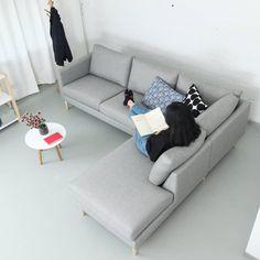 Tuohi-kulmasohva. | Tuohi corner sofa. #kulmasohva #cornersofa #suomalaistakäsityötä #finnishdesign #interiordesign #handmadefurniture #sisustus #sisustusinspiraatio #sisustussuunnittelu #olohuone #finsoffat #handmade Love Seat, Couch, Furniture, Home Decor, Settee, Decoration Home, Sofa, Room Decor, Home Furnishings