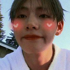 taehyung icon cute jeon jeongguk ok ilgi ekiciydi. Kim Taehyung Cute, V Taehyung, Namjoon, Taehyung Fanart, Jimin, Bts Bangtan Boy, Daegu, K Pop, Entertainment