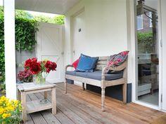 In dit schattige huisje in Breda heeft eigenaar Jolande alles ingericht met hergebruikte materialen.