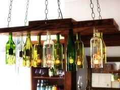 ワインの種類や産地によって、多様に広がるワインボトル。 たとえば、光を吸収しやすい赤ワインは、光による劣化を防 […]