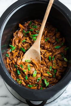 Make tonight's dinner easy and tasty with this healthy Slow Cooker Honey Garlic Chicken! Serve it with a side of rice and veggies! Crockpot Recipes For Two, Crockpot Chicken Healthy, Slow Cooker Chicken, Cooker Recipes, Healthy Recipes, Crockpot Meals, Healthy Meals, Diabetic Meals, Freezer Meals