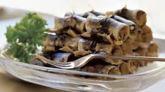 Vanhanajan silakkarullat - Yhteishyvä Garlic, Food And Drink, Pudding, Ice Cream, Vegetables, Desserts, Recipes, No Churn Ice Cream, Tailgate Desserts