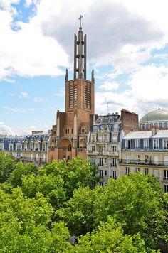 Avenue Daumesnil, Paris XII