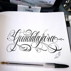 𝐄𝐃𝐔𝐀𝐑𝐃𝐎: Some airplane art to make the time go by. Tattoo Lettering Design, Chicano Lettering, Creative Lettering, Graffiti Lettering, Tattoo Fonts Cursive, Hand Lettering Alphabet, Tattoo Script, Letras Tattoo, Lion Tattoo Sleeves