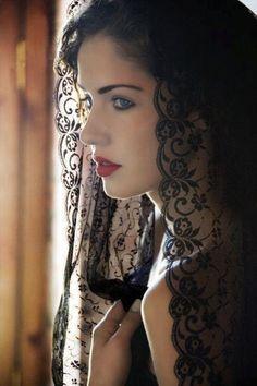 Beautiful. Love the veil.