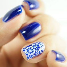 Abigail howerton abigail7464 on pinterest i love this blue color and the white accent nail with blue daisy nail art prinsesfo Choice Image