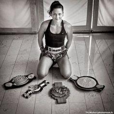 Sandra Sevilla ceintures