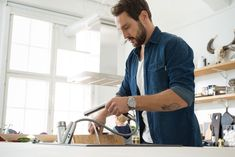 Oras Signa kitchen faucet - smart features such as pull-out spout and touchless function for increased comfort in the kitchen. Smart Home Design, Oras, Faucets, House Design, Kitchen, Taps, Griffins, Cooking, Kitchens