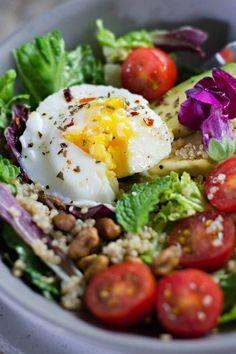 insalata di uovo e avocado