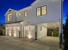 Ultimate California Beach House with Coastal Interiors   Home Bunch - An Interior Design & Luxury Homes Blog   Bloglovin'