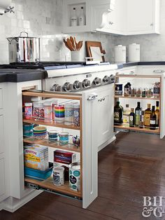 work cook kitchen tour organize pull out shelves - My Home Decor Family Kitchen, Kitchen On A Budget, New Kitchen, Kitchen Decor, Kitchen Ideas, Minimal Kitchen, Kitchen Updates, Decorating Kitchen, Cheap Kitchen