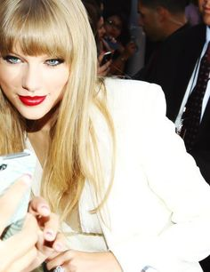taylor swift  love the make up