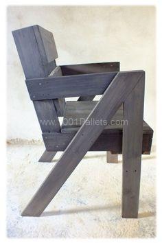 Chaise en bois de palette daprès les plans de Entropie (objet et meuble en palette)