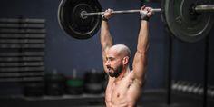 Bouw buikspieren van staal met dit moordende circuit | Men's Health