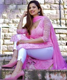Bollywood Actress Hot Photos, Beautiful Bollywood Actress, Most Beautiful Indian Actress, Beauty Full Girl, Beauty Women, Indian Girls Images, Stylish Girl Images, Beautiful Girl Image, Indian Beauty Saree