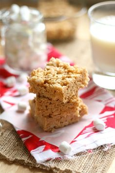 Biscoff Rice Krispie Treats -- but you may as well add some crunched up Biscoff cookies to the mix. Just when you thought Biscoff couldn't get better. Sweet Desserts, Just Desserts, Sweet Recipes, Delicious Desserts, Dessert Recipes, Yummy Food, Fun Recipes, Yummy Yummy, Recipies