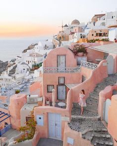 Top picks from Santorini – AndSheXplores Santorini House, Santorini Island, Santorini Travel, Wonderful Places, Beautiful Places, Jungle House, Life Is A Journey, Wanderlust Travel, Light In The Dark