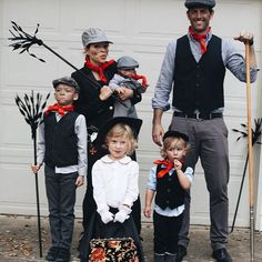 1000 ideas about mary poppins costume on pinterest costumes chimney sweep costume and. Black Bedroom Furniture Sets. Home Design Ideas