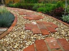 Rock pathway ideas brick stepping stones unique and creative garden path ideas remodeling expense paving stone Stepping Stone Pathway, Brick Pathway, Brick Garden, Paver Walkway, Stone Walkways, Brick Edging, Diy Garden, Garden Paths, Garden Ideas