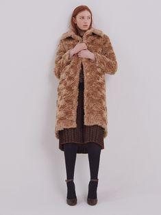 #womenswear #fashion #womensfashion #style #menswear #ootd #fashionblogger #womenstyle #instafashion #streetstyle #fashionista #onlineshopping #women #shopping #clothing #streetwear #trendy #stylish #womensstyle #womenfashion #instastyle #instagood #dress #clothes #dresses #handmade #designer #fashiondesigner #fashionstyle #bhfyp Chesterfield Coat, Hooded Wool Coat, Collarless Jacket, Long Trench Coat, Dress Clothes, Quilted Jacket, Streetwear, Women Wear, Ootd