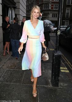 Radiant: Vogue Williams revealed her toned post-baby body as she led the stars attending the VIP launch of show Hats, Heels and Horses in London on Thursday New Fashion, Fashion Models, Post Baby Body, Toned Abs, Co Ord, Ballet Dancers, Style Icons, Wrap Dress, Cute Outfits