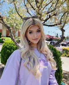 Loren Gray Snapchat, Loren Grau, Grey Brown Hair, Bug Boy, Oufits Casual, Look Girl, Social Media Stars, Hipsters, Demi Lovato