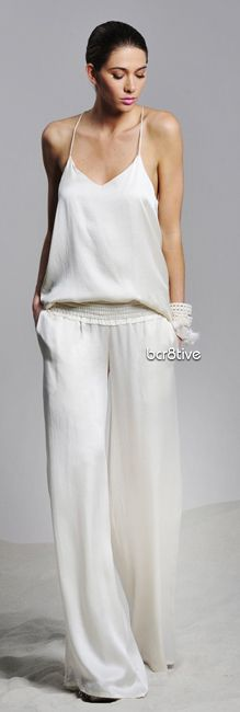 Want California casual chic style in your life? HauteLook has you covered. White Fashion, Look Fashion, Fashion Design, Fashion Tips, Looks Style, Style Me, White Outfits, Summer Outfits, White Wide Leg Pants