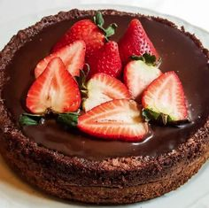 Bomba brownie y ganache de chocolate Brownie Recipes, Dessert Recipes, Desserts, Pan Dulce, Sweet Recipes, Brownies, Cheesecake, Strawberry, Baking