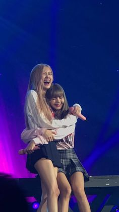 Black Pink in turn burst into tears at the concert because of frustration at the harsh criticism of the public? Kim Jennie, Kpop Girl Groups, Korean Girl Groups, Kpop Girls, Blackpink Concert, Blackpink Poster, Lisa Blackpink Wallpaper, Wallpaper Lockscreen, Wallpapers