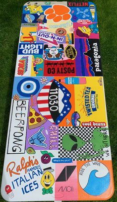 Super cool custom beer pong table perfect for college and high school students! Check out the etsy link to customize your own! Custom Beer Pong Tables, Floating Beer Pong Table, Br House, Fun Drinking Games, Diy Painting, Cooler Painting, Diy Table, Etsy, Sorority Canvas